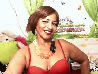 Фото секси-профайла модели LilithSoHorny, веб-камера которой снимает очень горячие шоу в режиме реального времени!