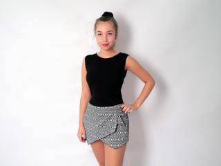 Фото секси-профайла модели LiyaDiamond, веб-камера которой снимает очень горячие шоу в режиме реального времени!