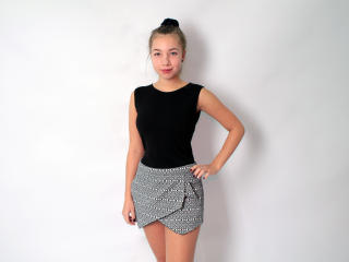 Foto de perfil sexy de la modelo LiyaDiamond, ¡disfruta de un show webcam muy caliente!
