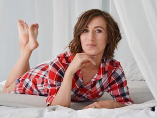 Фото секси-профайла модели LomanaGreat, веб-камера которой снимает очень горячие шоу в режиме реального времени!