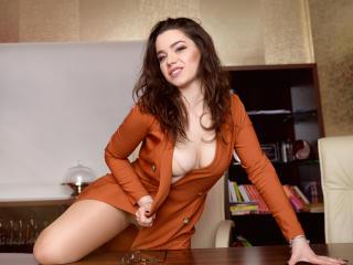 Photo de profil sexy du modèle LudovikaBelle, pour un live show webcam très hot !