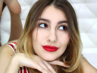 Hình ảnh đại diện sexy của người mẫu LylyHotX để phục vụ một show webcam trực tuyến vô cùng nóng bỏng!