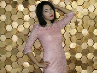 Foto de perfil sexy de la modelo Magnanimous, ¡disfruta de un show webcam muy caliente!