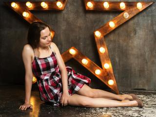 Model MarianeYourHeart'in seksi profil resmi, çok ateşli bir canlı webcam yayını sizi bekliyor!