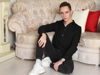 Model MichaelSweetBoy'in seksi profil resmi, çok ateşli bir canlı webcam yayını sizi bekliyor!