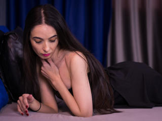 Picture of the sexy profile of MissDenisse, for a very hot webcam live show !