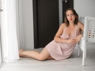 Model NiliaFlower'in seksi profil resmi, çok ateşli bir canlı webcam yayını sizi bekliyor!