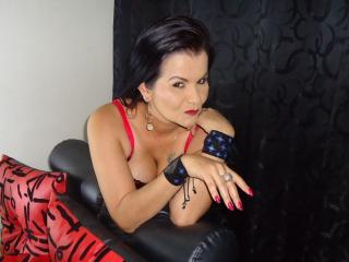 Model QueenPervert'in seksi profil resmi, çok ateşli bir canlı webcam yayını sizi bekliyor!