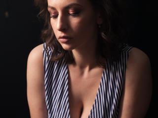 Model RaspBerryWine'in seksi profil resmi, çok ateşli bir canlı webcam yayını sizi bekliyor!