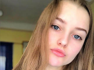 Velmi sexy fotografie sexy profilu modelky ReinaReR pro live show s webovou kamerou!