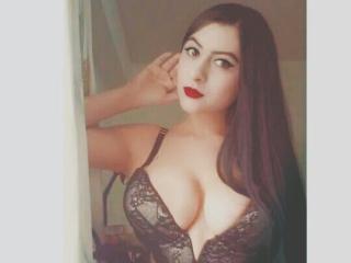 Model ScarlettJolie'in seksi profil resmi, çok ateşli bir canlı webcam yayını sizi bekliyor!