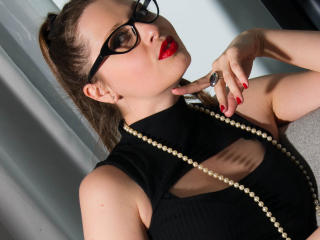 Photo de profil sexy du modèle SexiestGina, pour un live show webcam très hot !
