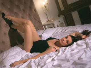 תמונת פרופיל סקסית של ShannonJOY למופע חי מאוד סקסי!