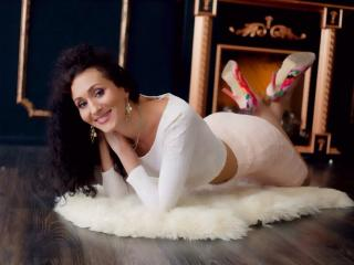 Foto de perfil sexy de la modelo SophieKate, ¡disfruta de un show webcam muy caliente!