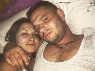 SpermQueen - online show sex with a dark hair Girl and boy couple
