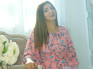 Foto de perfil sexy de la modelo SpotlessMind, ¡disfruta de un show webcam muy caliente!