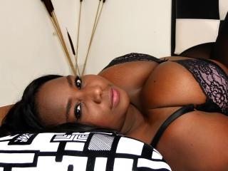 Velmi sexy fotografie sexy profilu modelky SweetBlackOne pro live show s webovou kamerou!