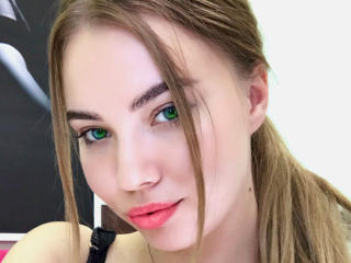 Sexet profilfoto af model SweetBridgetB, til meget hot live show webcam!