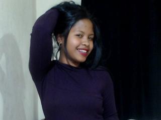 Photo de profil sexy du modèle SweetyTiffany, pour un live show webcam très hot !