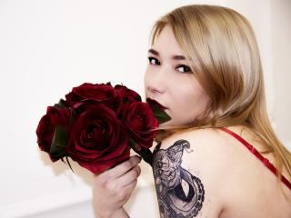 Hình ảnh đại diện sexy của người mẫu TeyaZoi để phục vụ một show webcam trực tuyến vô cùng nóng bỏng!
