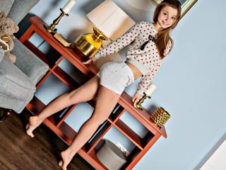 Hình ảnh đại diện sexy của người mẫu UrGymGirl để phục vụ một show webcam trực tuyến vô cùng nóng bỏng!