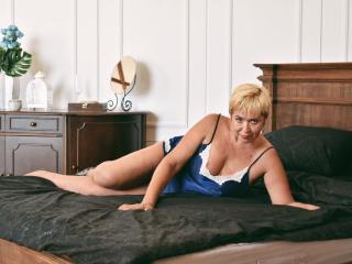 Hình ảnh đại diện sexy của người mẫu VeronikaElegant để phục vụ một show webcam trực tuyến vô cùng nóng bỏng!