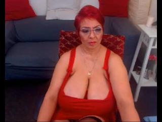Velmi sexy fotografie sexy profilu modelky YourNaughtyHotWife pro live show s webovou kamerou!