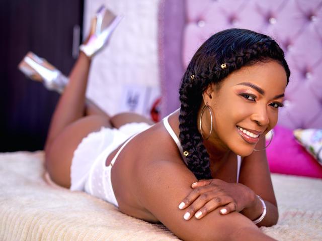 Hình ảnh đại diện sexy của người mẫu AlliseHot để phục vụ một show webcam trực tuyến vô cùng nóng bỏng!