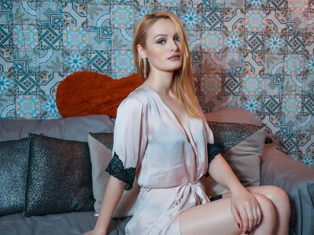 Foto van het sexy profiel van model Ambraa, voor een zeer geile live webcam show!