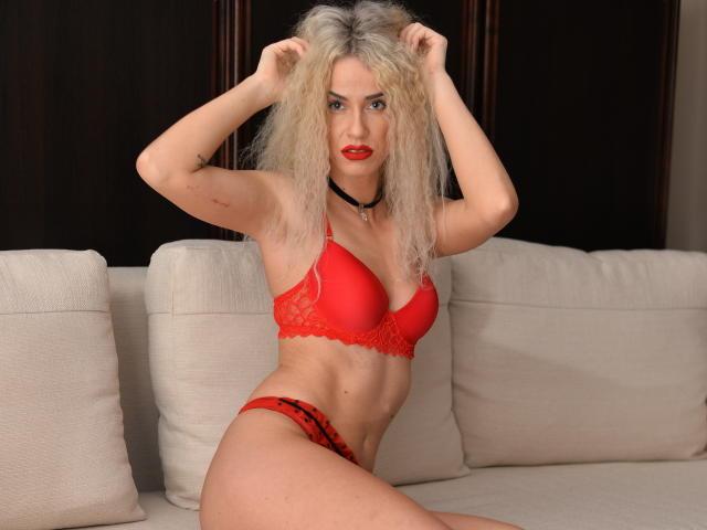 Фото секси-профайла модели AshleyBlonde, веб-камера которой снимает очень горячие шоу в режиме реального времени!