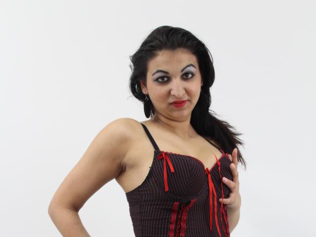 Photo de profil sexy du modèle ElsaLynn, pour un live show webcam très hot !