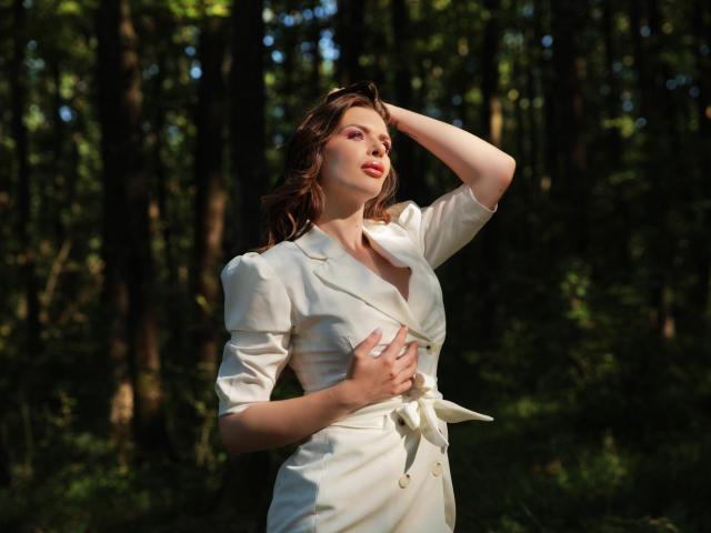 Foto del profilo sexy della modella Iohana, per uno show live webcam molto piccante!