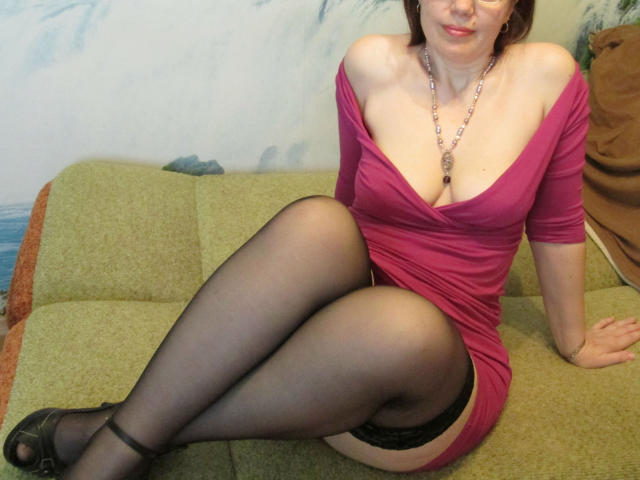 Photo de profil sexy du modèle JuicyLady69, pour un live show webcam très hot !