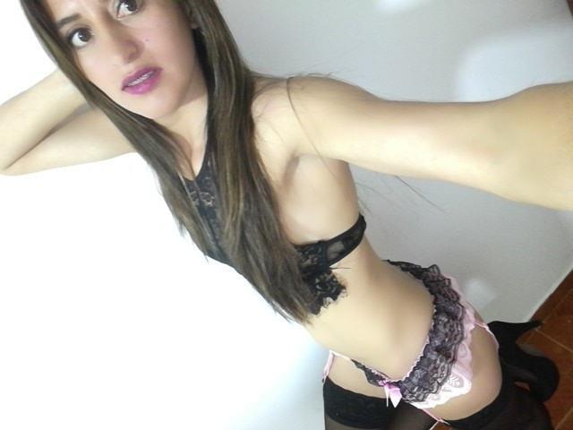 Foto de perfil sexy de la modelo LatinSteffy, ¡disfruta de un show webcam muy caliente!