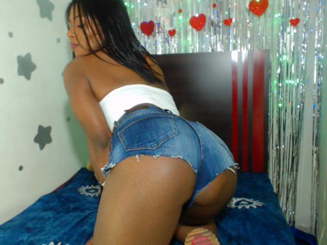 Photo de profil sexy du modèle LaurenMinaj, pour un live show webcam très hot !