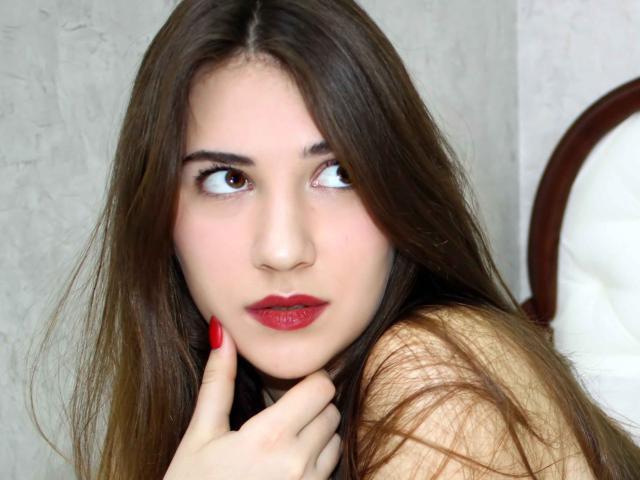 Foto de perfil sexy de la modelo MalikaSw, ¡disfruta de un show webcam muy caliente!