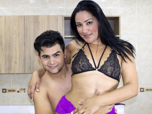 Фото секси-профайла модели MorganXSophia, веб-камера которой снимает очень горячие шоу в режиме реального времени!