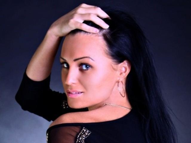 Model MyrabelleXX'in seksi profil resmi, çok ateşli bir canlı webcam yayını sizi bekliyor!