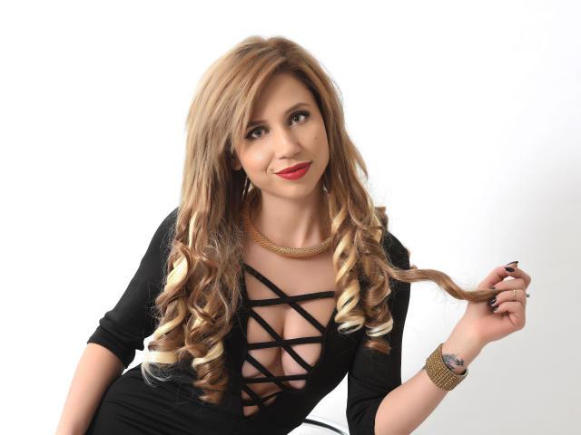 Foto de perfil sexy de la modelo NikiSwank, ¡disfruta de un show webcam muy caliente!