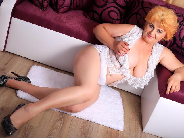 Foto del profilo sexy della modella SilviaLady, per uno show live webcam molto piccante!