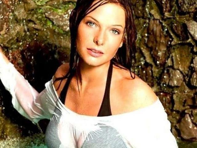 Model SilviaMarlow'in seksi profil resmi, çok ateşli bir canlı webcam yayını sizi bekliyor!