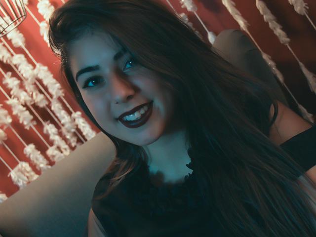 Fotografija seksi profila modela  ZayaRay za izredno vroč webcam šov v živo!