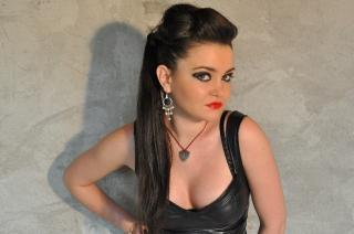 MaitresseNadia - Sexy live show with sex cam on XloveCam
