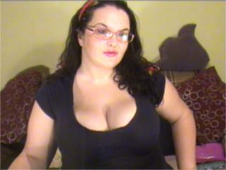 SexyBigTitsAnette - Video chat hard with a full figured College hotties