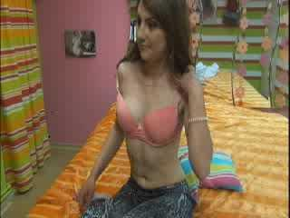 DouxSandra - Sexy live show with sex cam on XloveCam