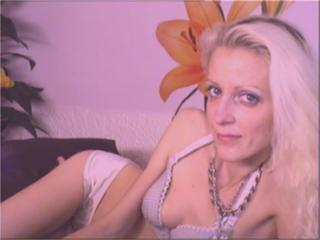Addlyn - Sexy live show with sex cam on XloveCam