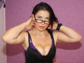 EmmaHotSquirt - Sexy live show with sex cam on XloveCam