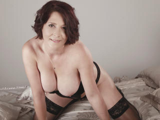SweetJosette - Sexy live show with sex cam on XloveCam