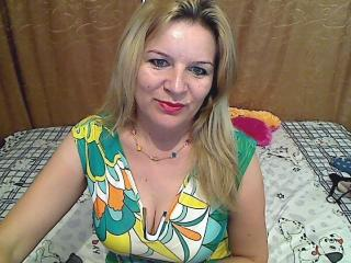 ChatteSublime - Webcam live sexy with a fit constitution Hot lady