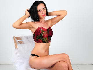 SexyFlora - Webcam porn with this charcoal hair Attractive woman